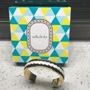 Stella & Dot Illuminate Cuff
